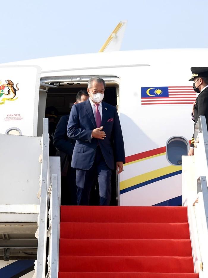 Pemimpin negara-negara ASEAN mendarat di Bandara Soetta untuk menghadiri KTT ASEAN 2021. (Rusman/Biro Pers Sekretariat Presiden)