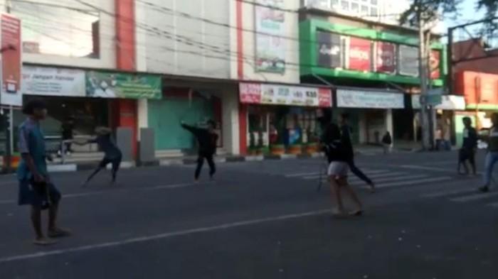 Perang Sarung di Kota Banjar