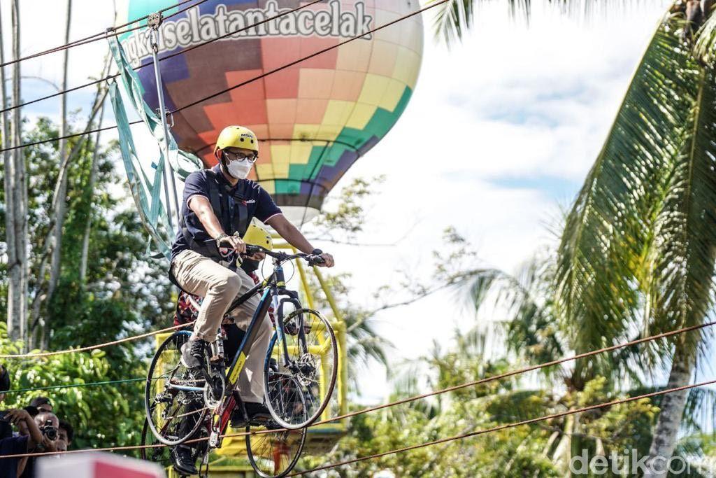 Sandiaga Uno di Padang