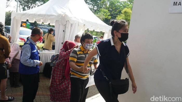 Tunanetra Vaksinasi Bandung Barat