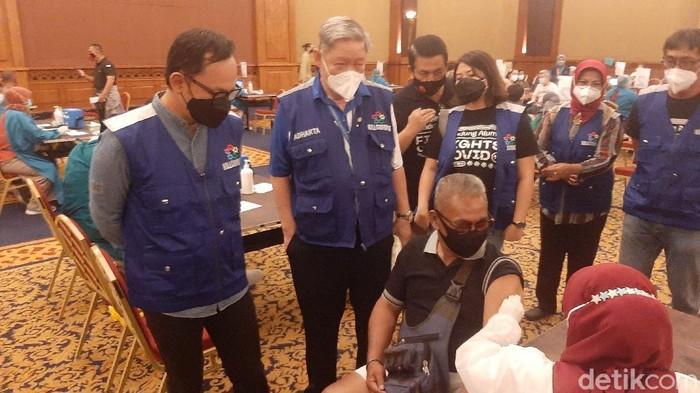 Vaksinasi Lansia di Bogor