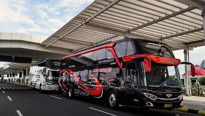 Armada bus PO Juragan 99 Trans yang dimiliki Crazy Rich Malang, Gilang Widya Pramana
