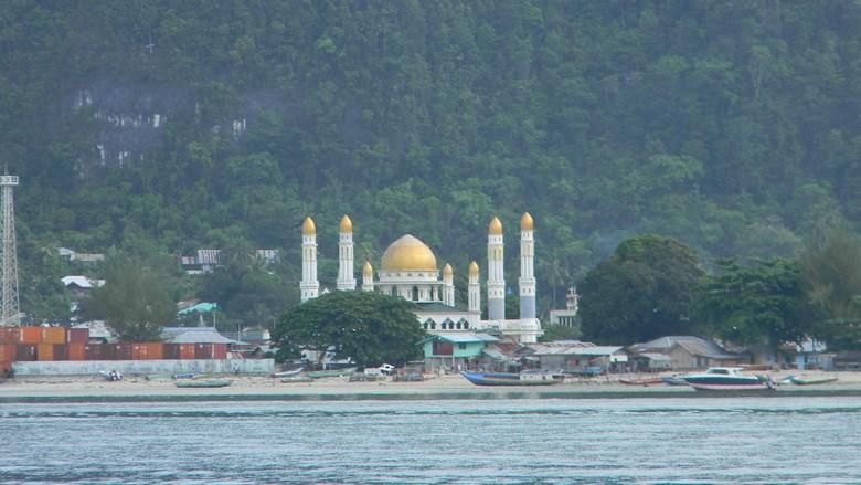 Masjid Agung Baiturrahim Kaimana