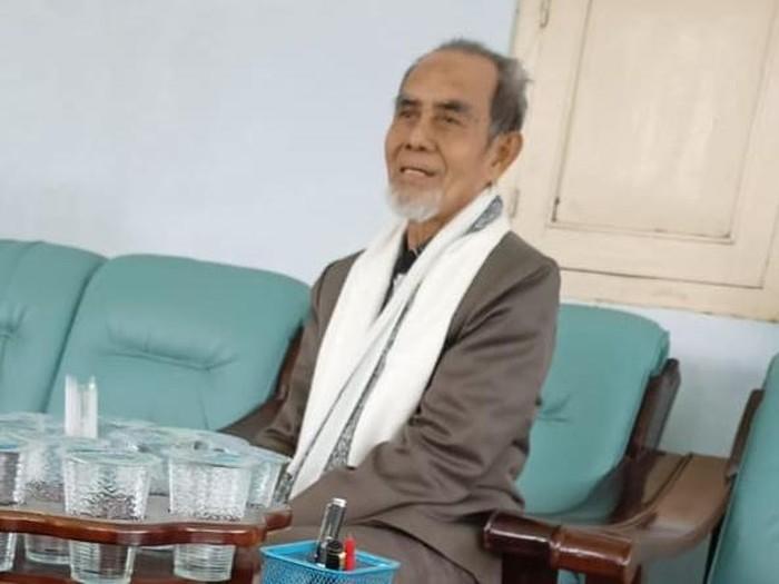 Pendiri dan Pengasuh Ponpes Tahfidz Qur'an Al-Muqoddasah KH Hasan Abdullah Sahal, saat di Ponpes Gontor