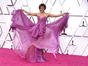 Rambut Baru Jadi Lelucon di Oscars 2021, Ini Respons Halle Berry