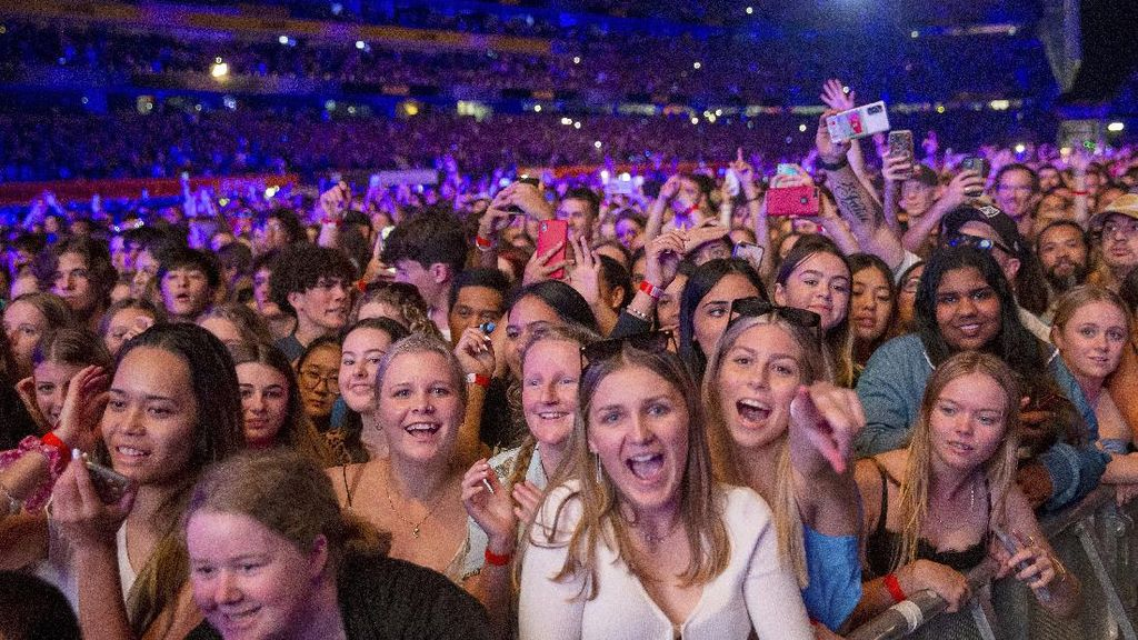 50 Ribu Orang Nonton Konser Six60 Tanpa Prokes di New Zealand