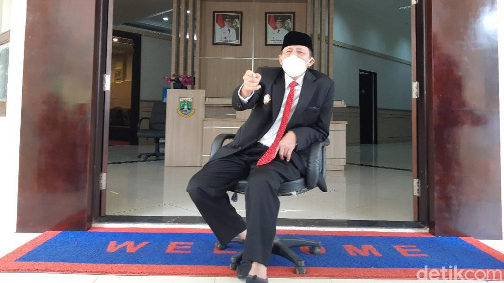 Gubernur Banten Wanti-wanti Lonjakan Corona Usai Kerumunan Wisatawan