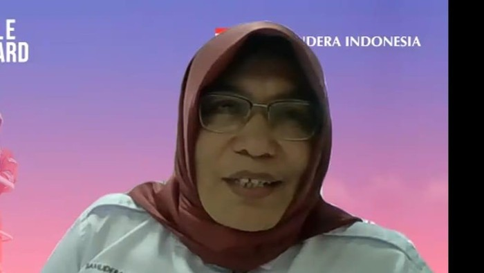 Tol laut menjadi upaya pemerintah untuk menjalankan pemerataan ekonomi Indonesia. Seperti apa sibuknya aktivitas kapal tol laut di Kepulauan Seribu? Lihat yuk.