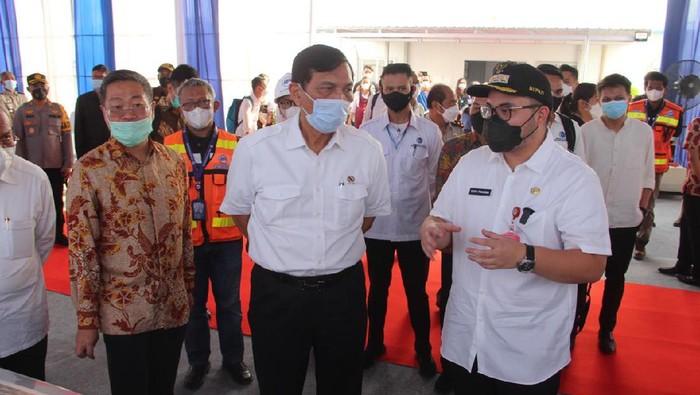 Menko Luhut kunjungan kerja ke Kediri sekaligus mengecek proyek Bandara Kediri.