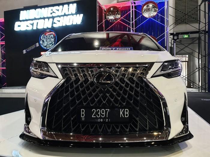 Modifikasi Toyota Alphard dengan tampilan ala Lexus LM 350
