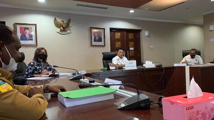 Moeldoko Saat Rapat Bersama Perwakilan Kementerian/Lembaga
