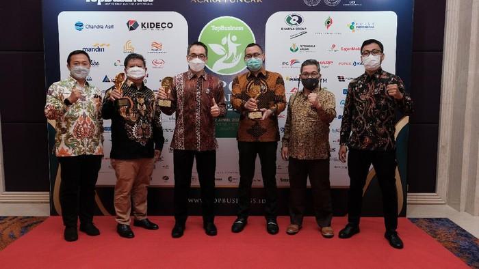 Kideco Jaya Agung (Kideco), anak perusahaan energi terintegrasi PT Indika Energy Tbk, kembali meraih 3 penghargaan TOP CSR Awards 2021.
