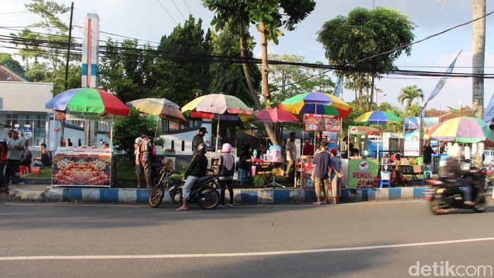 Semarak Ramadhan di Pasar Takjil Jalan Surabaya, Malang, Jawa Timur