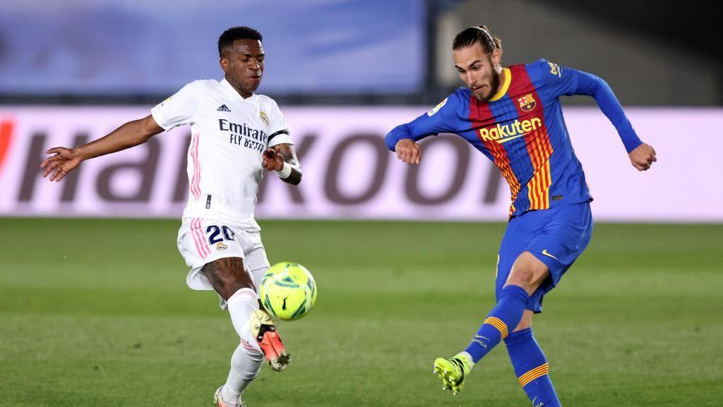 Iniesta Pede Barcelona Akan Kalahkan Real Madrid
