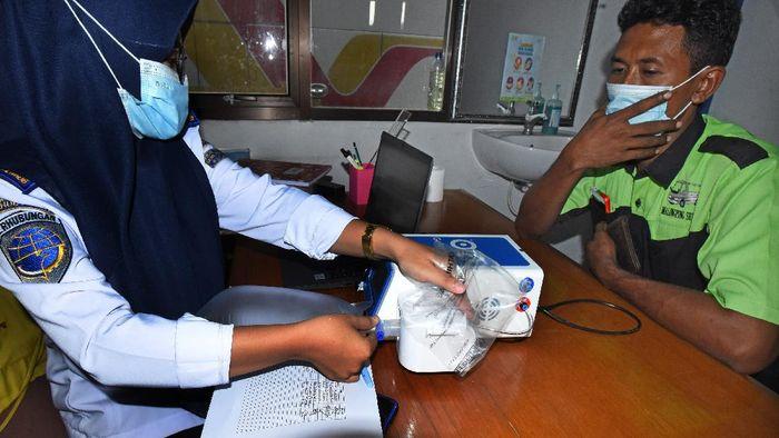 Terminal Bis Pakupatan, Serang, sediakan layanan tes GeNose C19 gratis untuk calon penumpang. Layanan itu diberikan sebagai upaya pencegahan virus Corona.