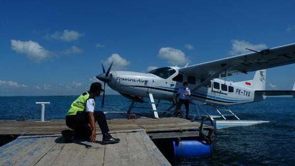 Seaplane atau pesawat apung merupakan pesawat udara yang dapat mendarat di bandar udara daratan (land aerodrome) serta bandar udara perairan (waterbase).