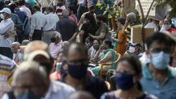 Mutasi Corona Bermunculan, Kapan Pandemi Berakhir dan Normal Kembali?