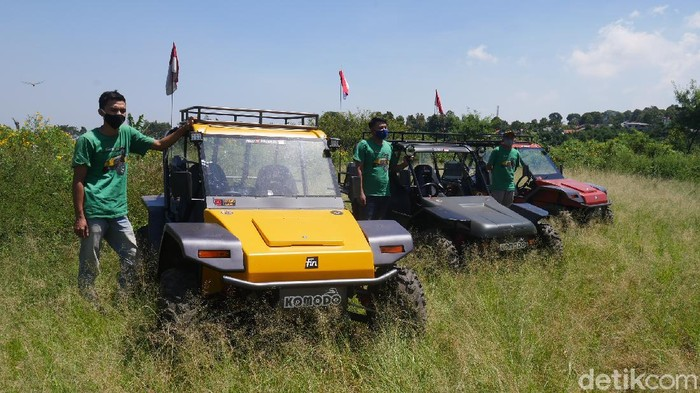 Melihat kendaraan fin komodo buatan asli warga Cimahi