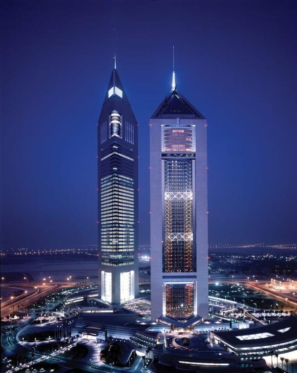 Perusahaan ini berada di belakang beberapa landmark paling terkenal kota, termasuk Atlantis dan Shangri-La Hotels.
