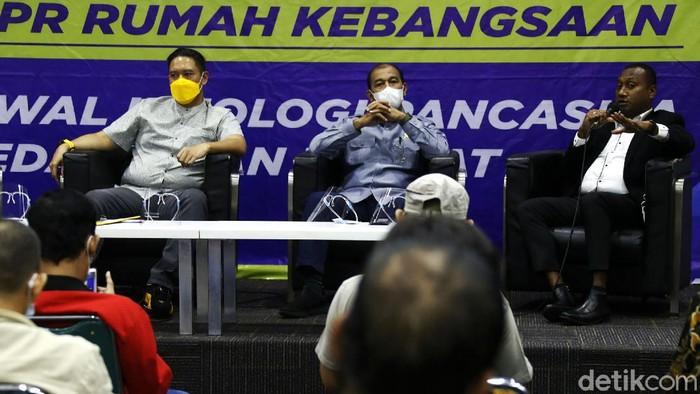 MPR RI kembali menggelar Diskusi Empat Pilar di Gedung Parlemen Senayan. Diskusi kali ini bertajuk 'Peran TNI-Polri dalam Menumpas KKB Papua'.