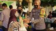Vaksinasi 40 Lansia, Polres Sumbawa Barat Sediakan Drive Thru-Bingkisan