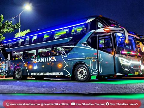 Sleeper bus PO New Shantika