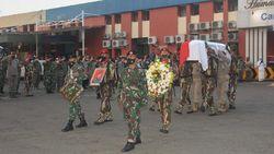 Pangdam Jaya Jadi Irup Penyambutan Jenazah Kepala BIN Papua