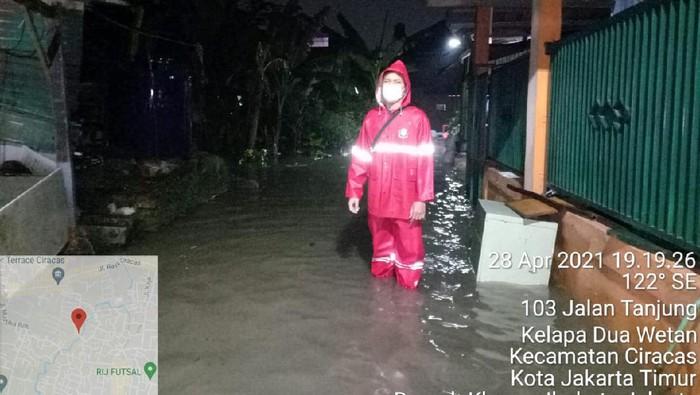 Genangan di Ciracas, Jakarta Timur.