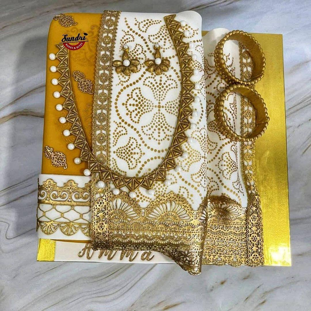kue desain kain sari khas India
