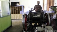 Cerita Mesin Tua Pencetak Al Quran Braille Tersimpan di Bandung