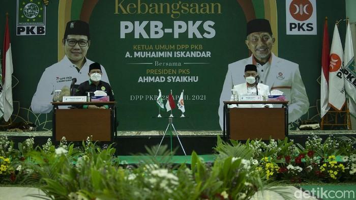 Presiden PKS Ahmad Syaikhu mendatangi Kantor DPP PKB. Dalam kunjungannya ini, Syaikhu bertemu dengan Ketua Umum PKB Muhaimin Iskandar atau Cak Imin.