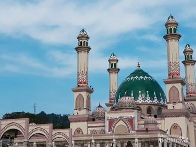 Ngabuburit di Masjid Paling Termegah di Tapanuli Selatan
