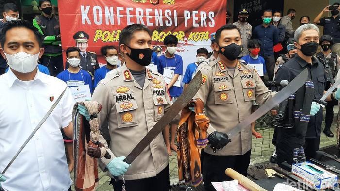 Sejumlah remaja di Bogor diamankan karena lukai lawannya dalam perang sarung