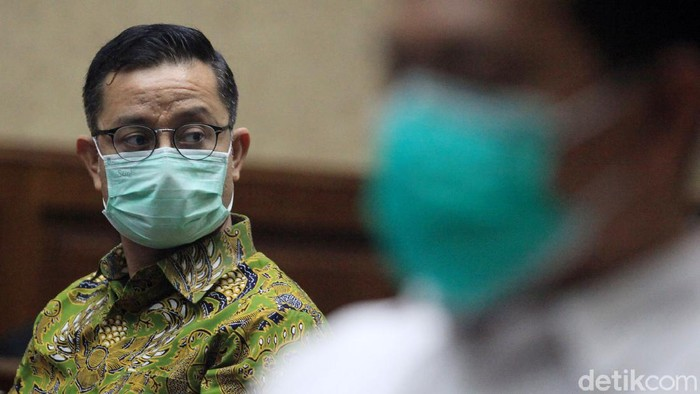 Mantan Menteri Sosial Juliari Batubara kembali duduk di kursi terdakwa pada sidang lanjutan di persidangan di Pengadilan Tipikor, Jakarta, Rabu (28/4/2021).