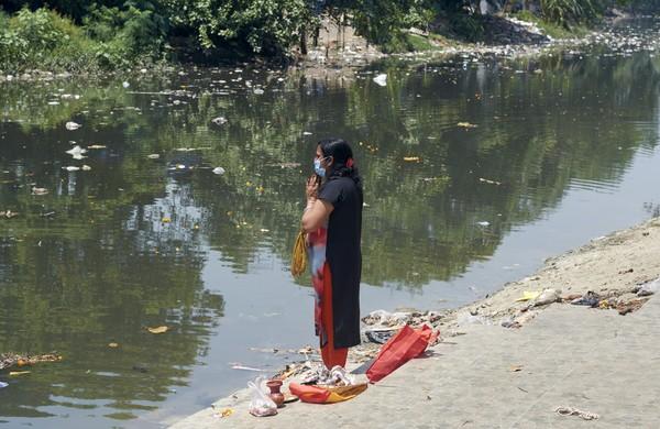 Sungai Gangga ialah salah satu sungai paling tercemar di dunia. Pemerintah India mencatat pada tahun 1970-an bahwa 600 kilometer area Sungai Gangga ialah zona polusi. (iStock)