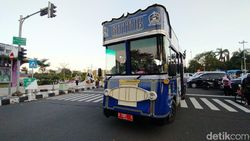 Ngabuburit Naik Bus Wisata Gatrik di Ciamis