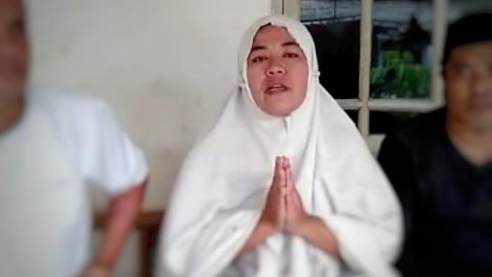 Ibu Wati minta maaf terkait ucapannya soal kehebohan babi ngepet did Depok