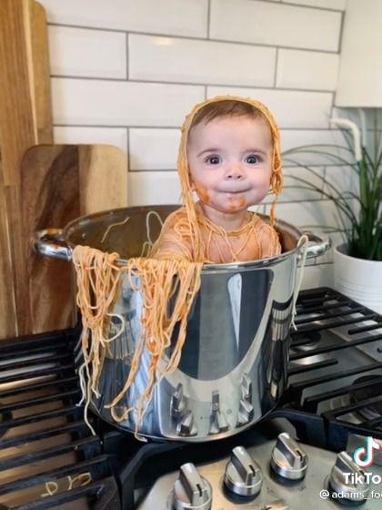 Masukkan Anak ke Panci Spaghetti Demi Konten, Pria Ini Banjir Kritikan