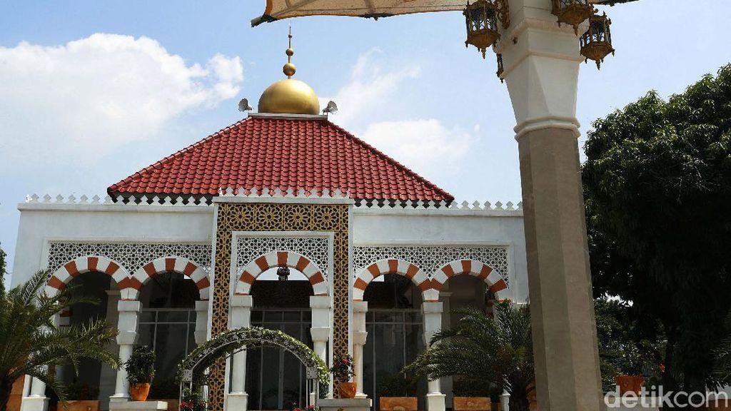 Megahnya Masjid Istana Anak Yatim di Cikeas Udik