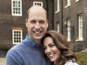 Kate Middleton & Pangeran William Mesra di Ultah Pernikahan, Cuma Akting?