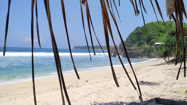 Pantai Pasetran Gondo Mayit blitar
