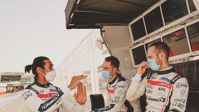 Indonesia ikut serta dalam Kejuaraan Balap Mobil FIA antar-negara Oktober 2021. Sean Gelael ditunjuk sebagai kapten tim Merah-Putih.