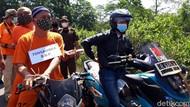 Tersangka Pembacokan Pegawai Pertamina Ikut Jalani Rekonstruksi