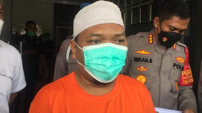 Ustaz Adam Ibrahim Minta Maaf soal Babi Ngepet: Iman Lagi Turun