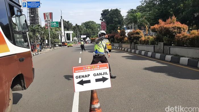 Aturan ganjil genap kembali diberlakukan di Kota Bogor