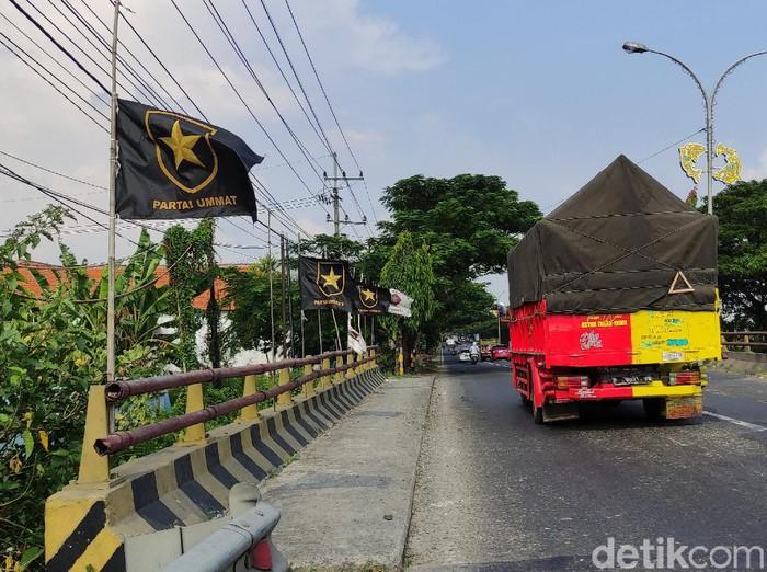 Hingga saat ini, DPD PAN Lamongan belum mendapat informasi apakah ada kader yang menyeberang ke Partai Ummat. Partai Ummat merupakan partai yang dideklarasikan Amien Rais di Yogyakarta, Kamis (29/4).