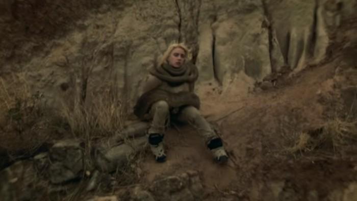 Billie Eilish dalam video klip Your Power.