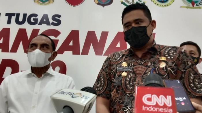 Bobby Nasution (kanan)-Gubsu Edy (kiri)/ Ahmad Arfah-detikcom
