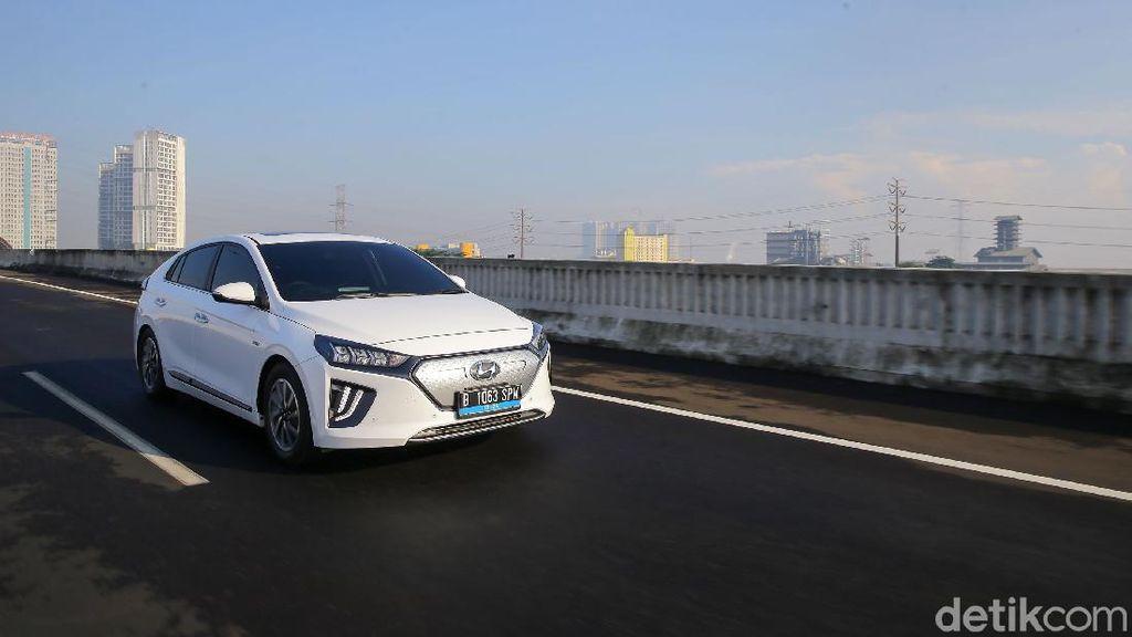 Kenapa Mobil Listrik Bebas Ganjil-Genap Jakarta? Ini Alasannya