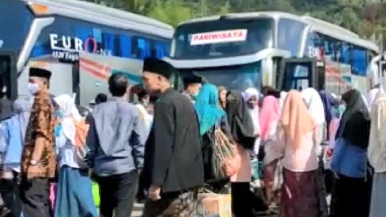 Hindari Larangan, Ribuan Santri Ponpes di Tasikmalaya Mudik
